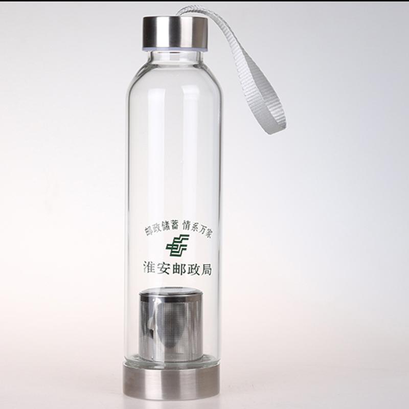 玻璃杯冷水瓶